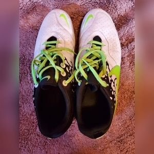 Nike Mens Size 11.5 Indoor Soccer Cleats